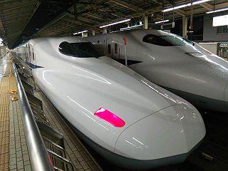 新幹線N700系の写真